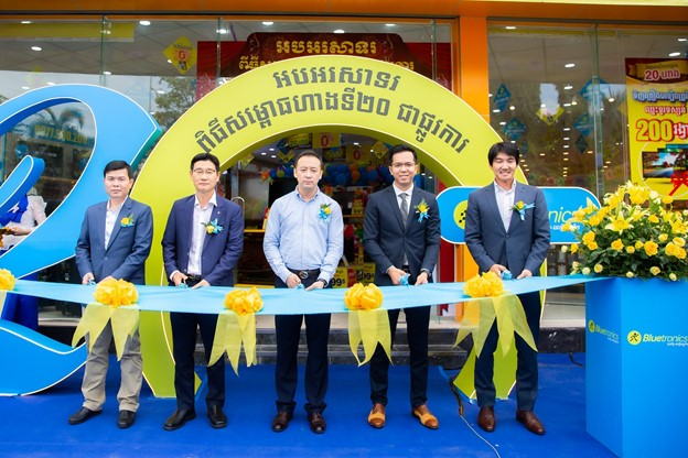 Mobile World shoots for breakthrough growth in Cambodia, eyeing other overseas markets