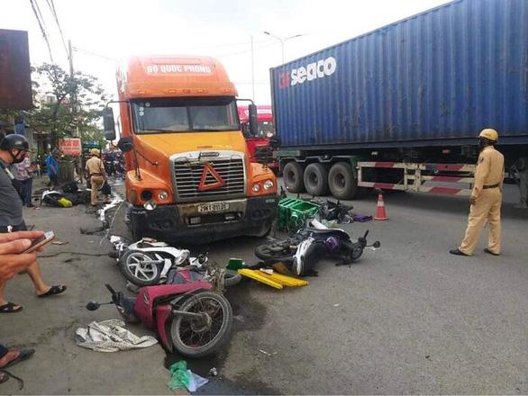 Five injured in drunk-driving crash in northern Vietnam