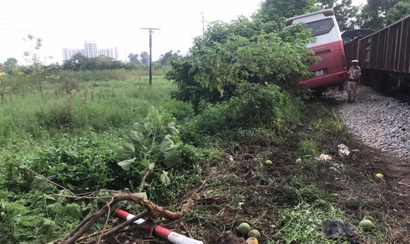 Students safe after train-school bus collision in Hanoi