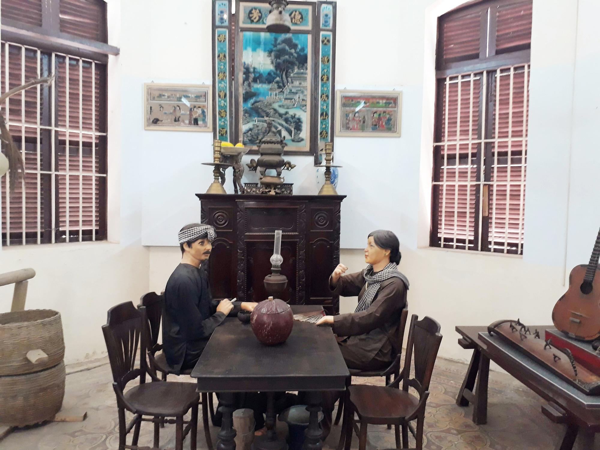 Artifacts inside Bac Lieu Museum in Ward 3, Bac Lieu City, Bac Lieu Province, Vietnam. Photo: Tuyet Kieu / Tuoi Tre
