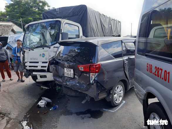Seven vehicles involved in crash in Vietnam's southern province