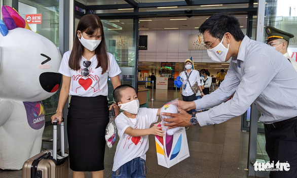 First tourists return to Da Nang after coronavirus infection wave squelched