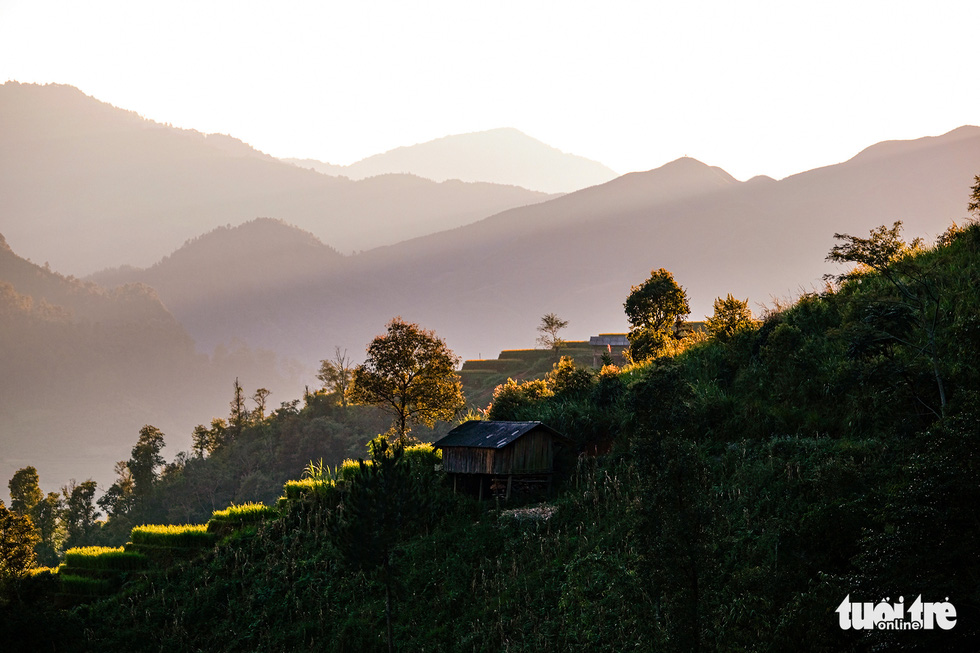 A spectacular landscape when the sun goes down in Mu Cang Chai District, Yen Bai Province, Vietnam. Photo: Nam Tran / Tuoi Tre