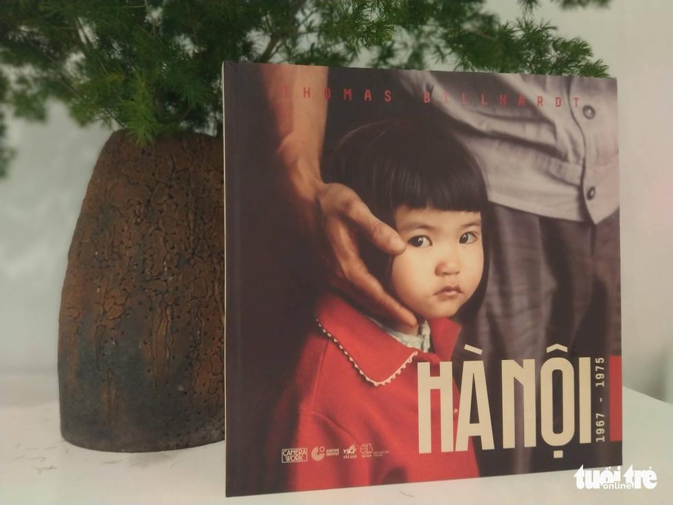 The photo book titled 'Hanoi 1967-1975.' Photo: Thien Dieu / Tuoi Tre