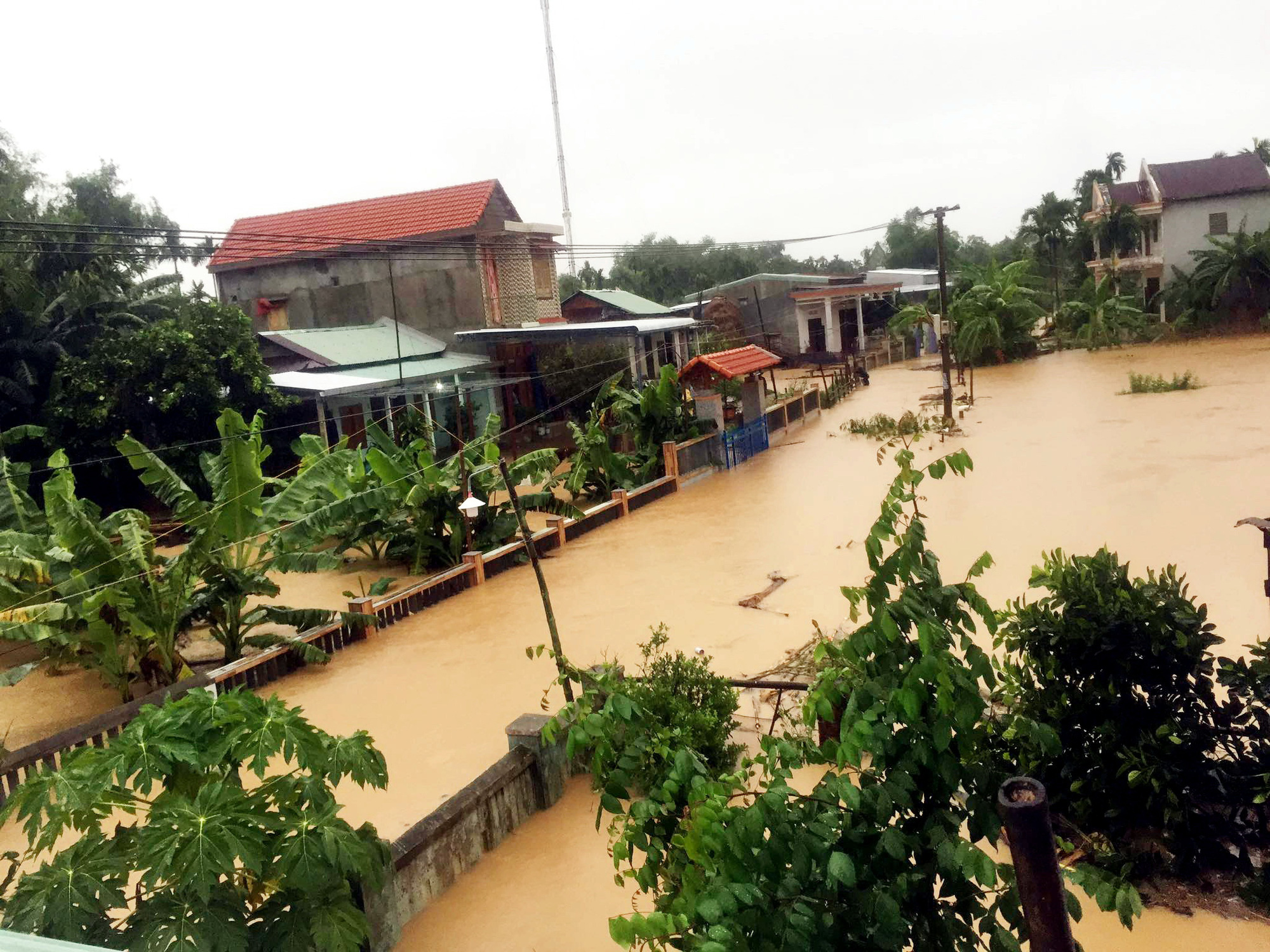 Nearly 11,000 people evacuated, 4 dead, 7 missing in central Vietnam due to serious flooding