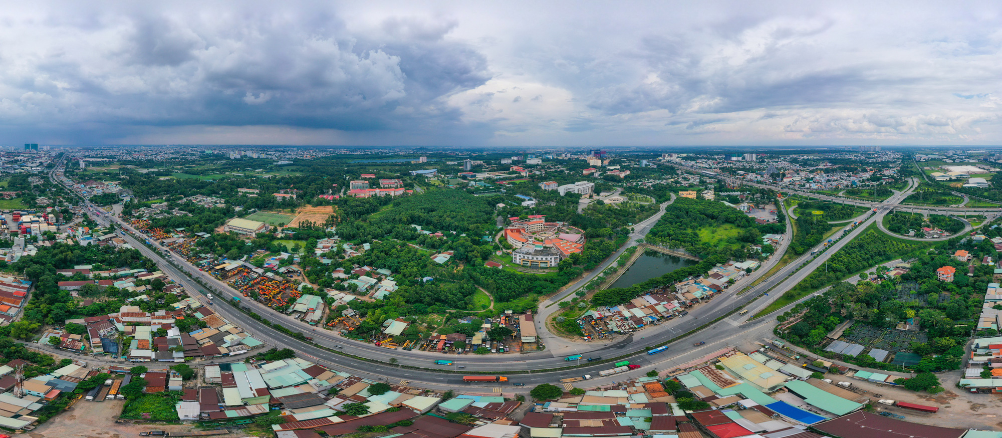 How to name new 'eastern city' in Ho Chi Minh City?