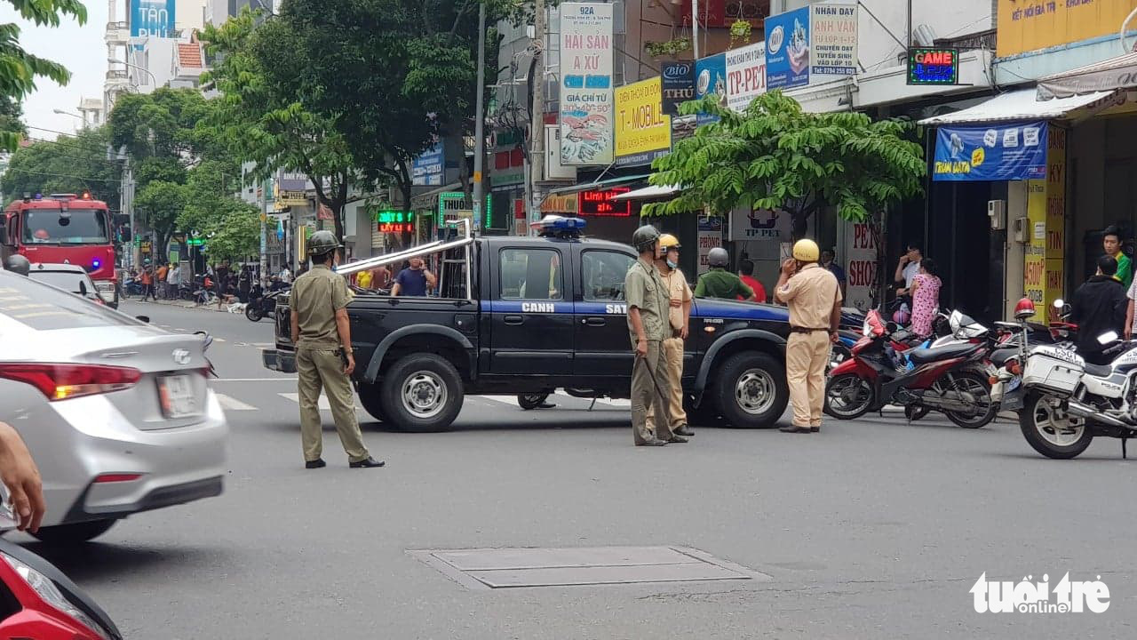 Woman captured after robbing bank, running away in taxi in Ho Chi Minh City