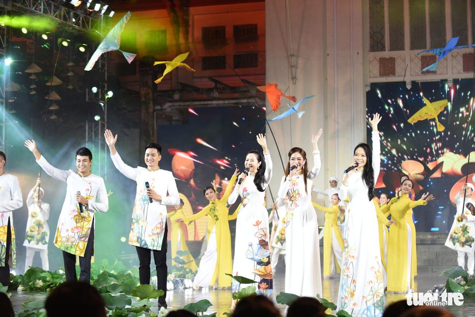 Ho Chi Minh City's 7th Ao Dai Festival opens