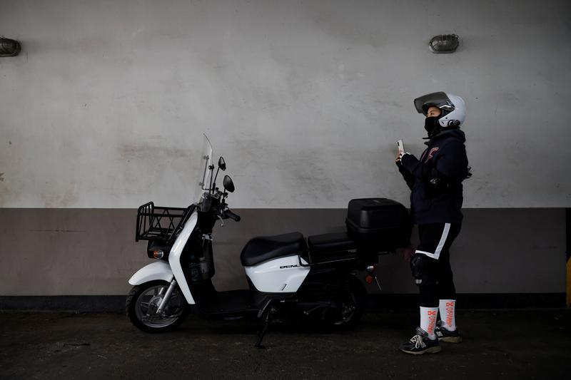 Seoul's angels: South Korea food delivery giants rev up rider race amid coronavirus boom