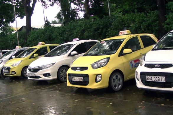 In Vietnam, taxi drivers assault staff of rival brand over client disputes