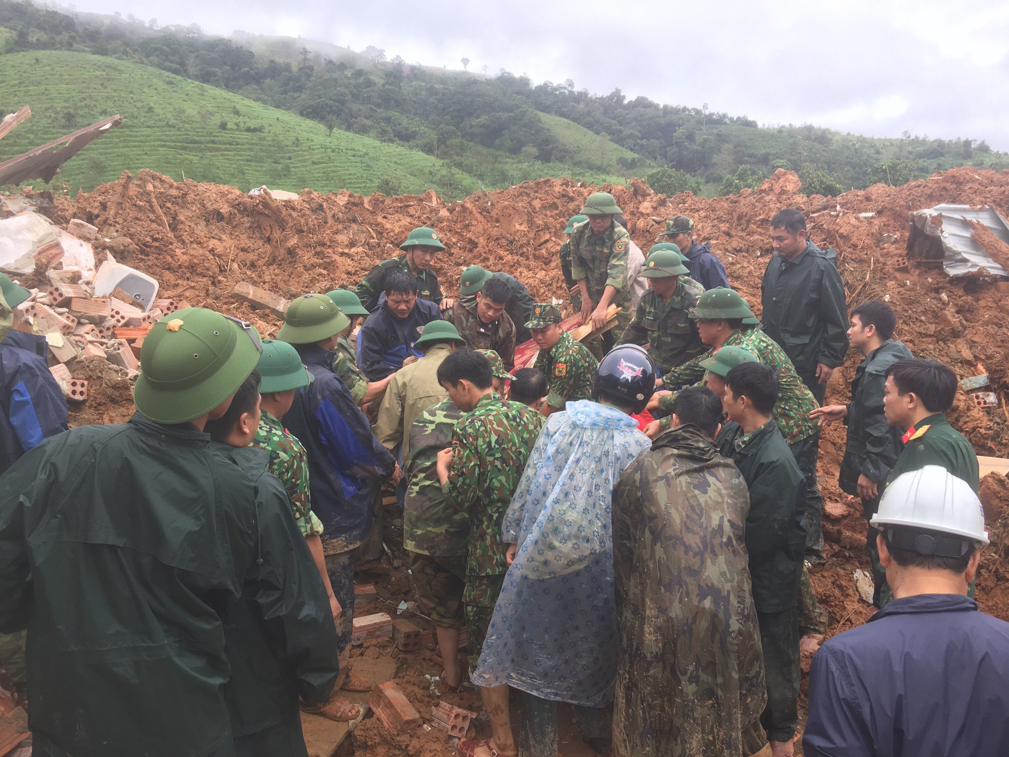 Soldiers buried following mudslide in central Vietnam