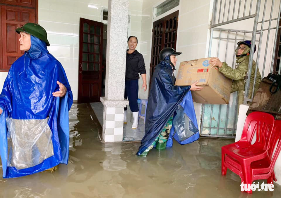 A house in Ha Tinh Province is flooded. Photo: Quy Ngoc / Tuoi Tre