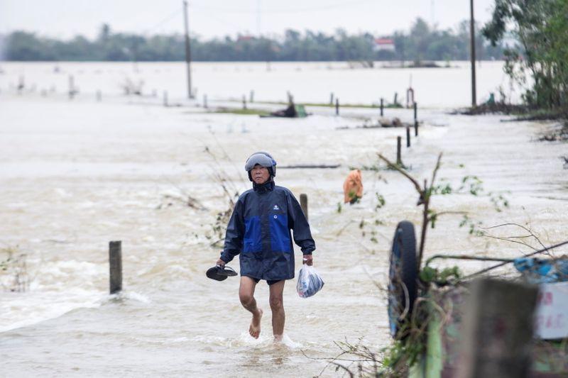 Tropical storm Saudel threatens Vietnam after soaking Philippines