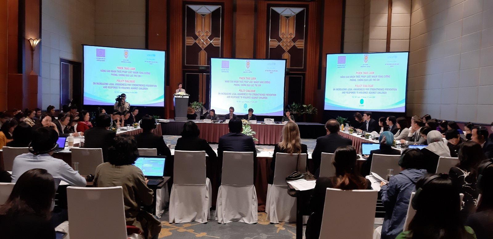 Hanoi dialogue discusses ways to strengthen prevention, response to violence against children