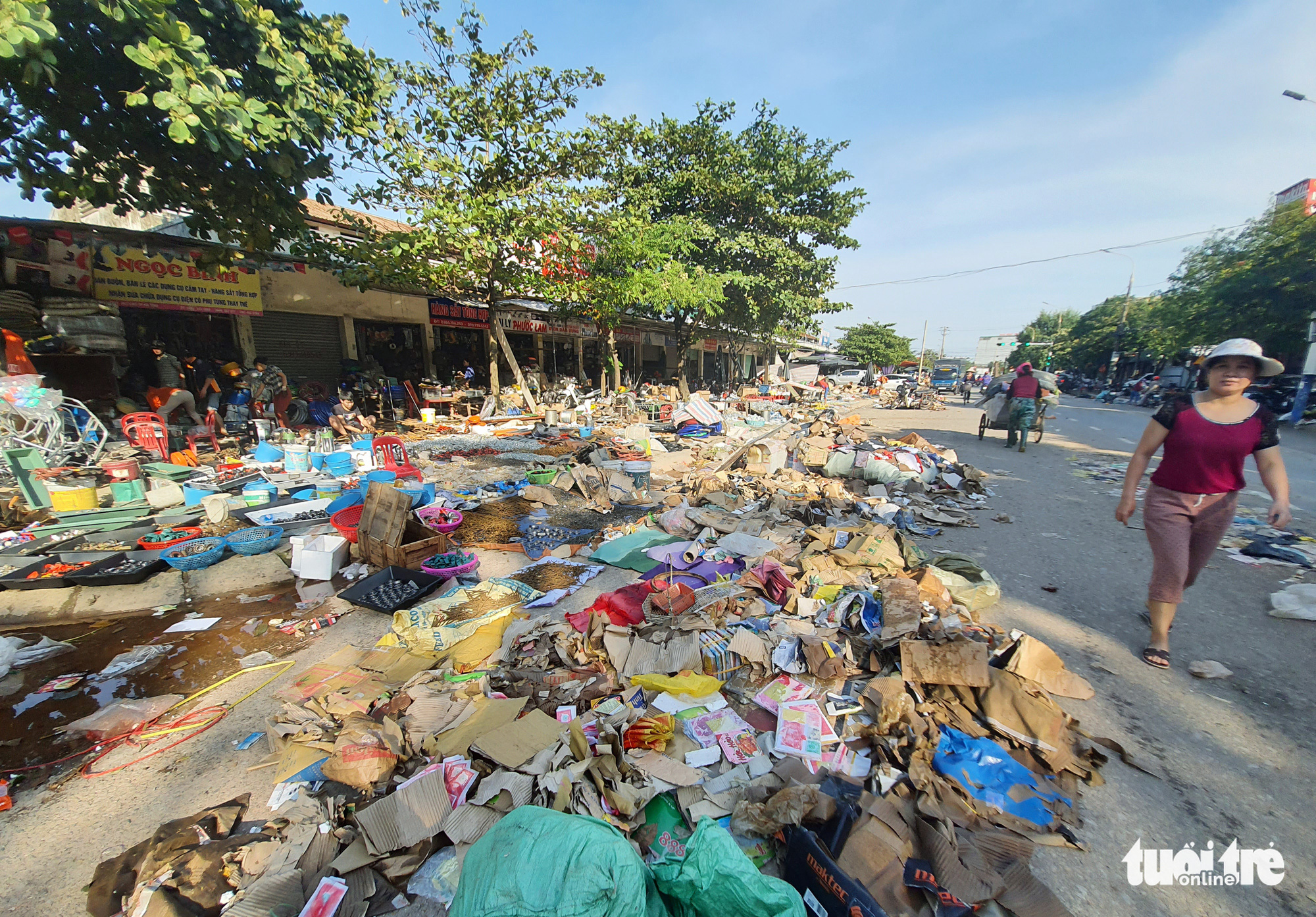Garbage fills a market following serious flooding in Ha Tinh Province, Vietnam, October 22, 2020. Photo: Doan Hoa / Tuoi Tre