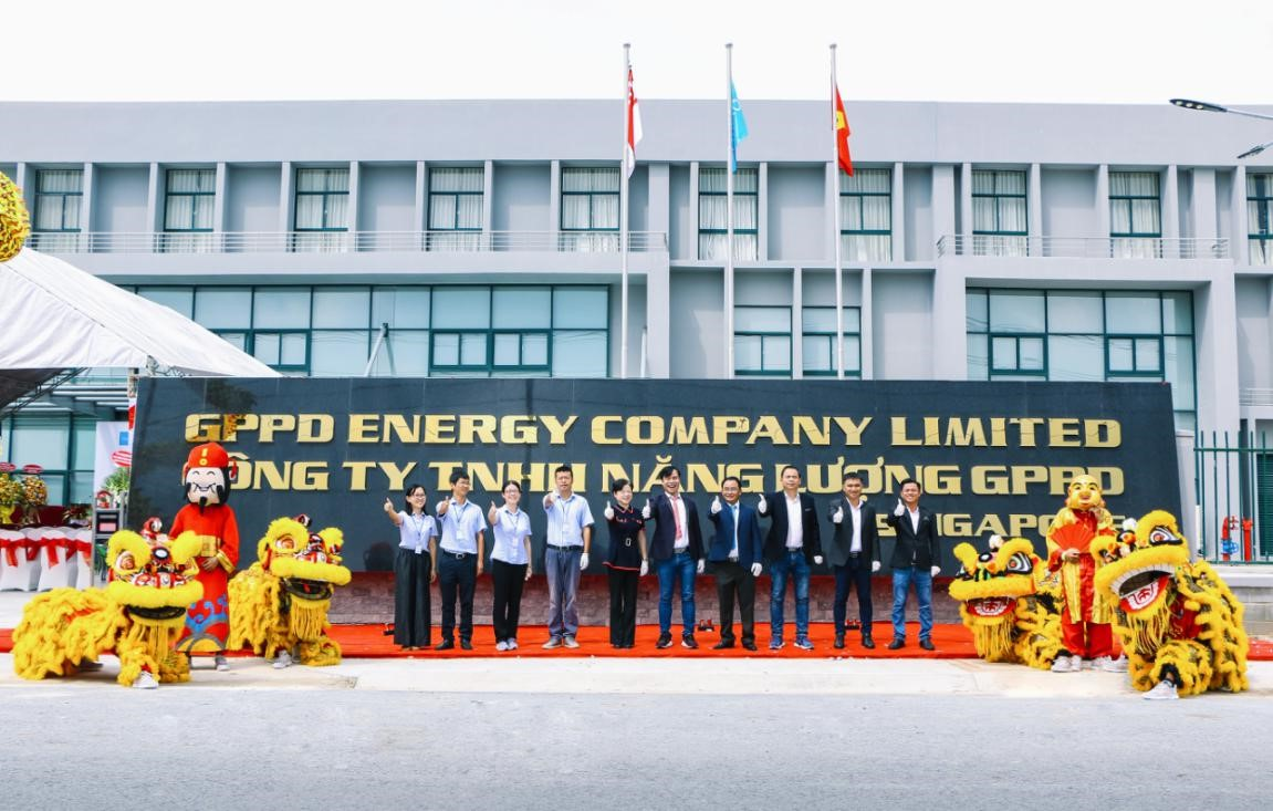 Representatives of World Steel Group and GPPD Energy Co. Ltd. Pose for a group photo at the handover ceremony in Binh Phuoc Province, Vietnam, October 19, 2020.