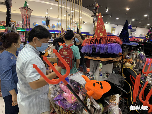 Ho Chi Minh City costume market gets busy as Halloween nears