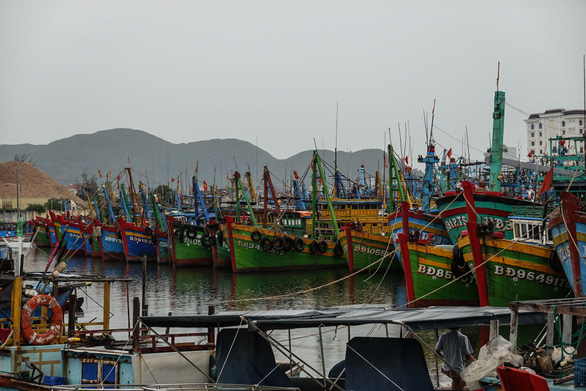 Two fishing boats sink, 26 fishermen missing in south-central Vietnam