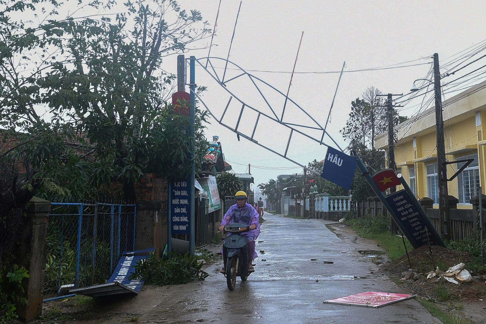 At least 25 dead, scores missing after typhoon lashes Vietnam