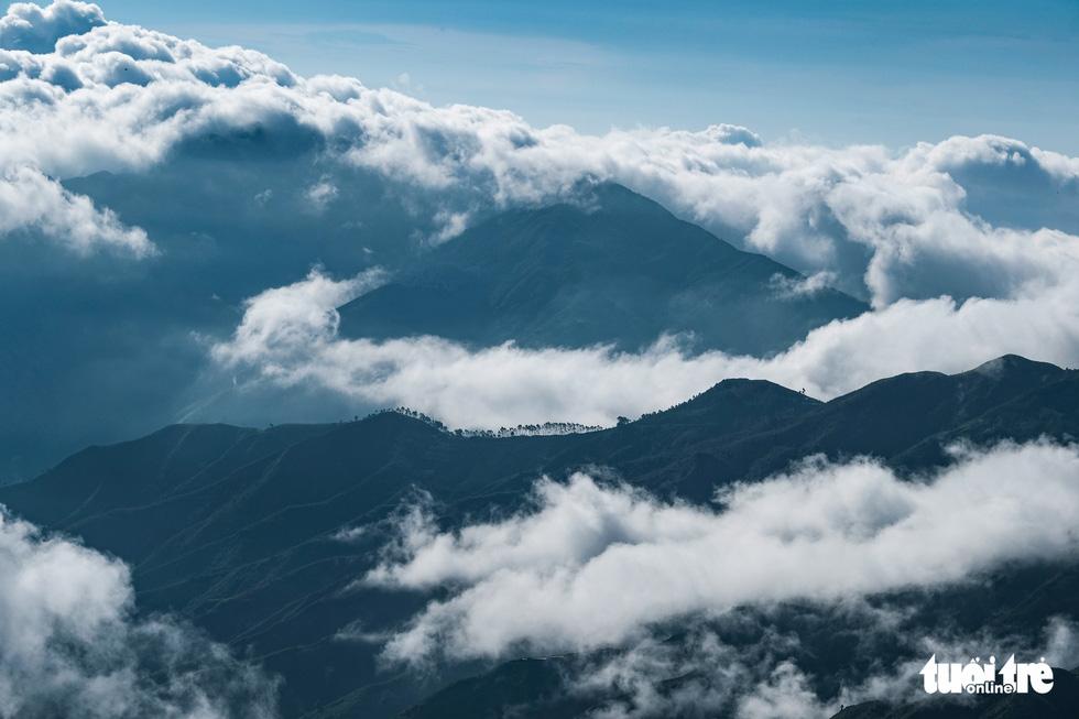 A spectacular view of Ta Xua mountain ranges, Bac Yen District, Son La Province, Vietnam. Photo: Nam Tran / Tuoi Tre
