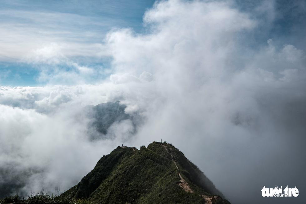 A aerial photo of the Hang Dong 'dinosaur-backbone' in Ta Xua mountain range, Bac Yen District, Son La Province, Vietnam. Photo: Nam Tran / Tuoi Tre