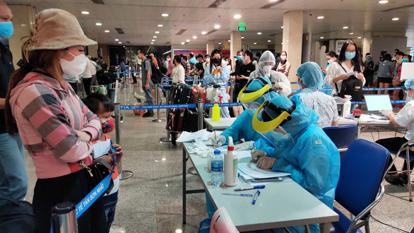Vietnam publishes draft protocol for quarantining entrants from international flights