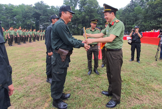 A ceremony is organized to launch a police unit tasked with ensuring security at the site of the Long Thanh mega airport project in Dong Nai Province, Vietnam, November 2, 2020. Photo: H.Mi / Tuoi Tre