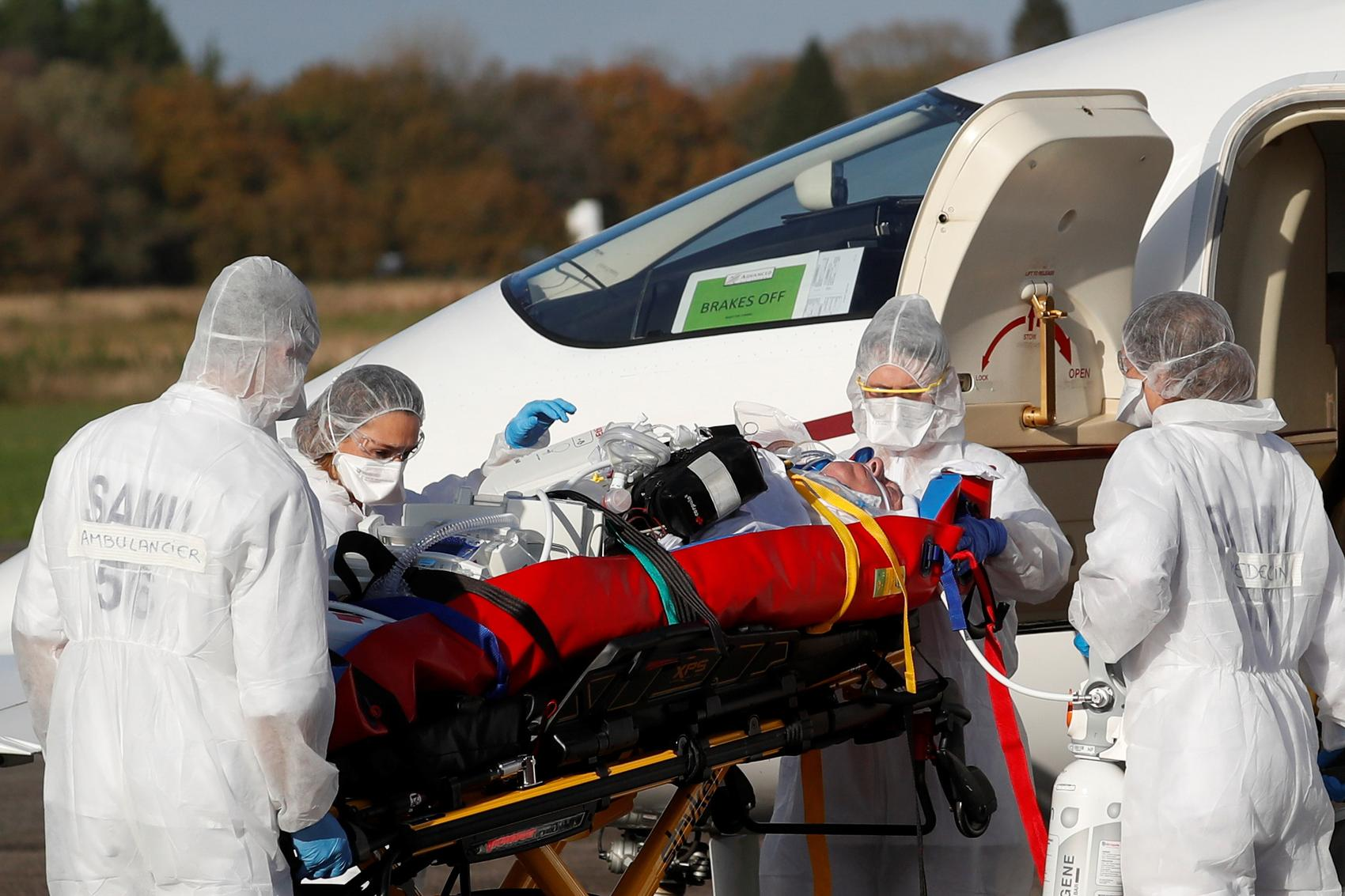 France sees record number of new COVID-19 cases, hospitalisations spike