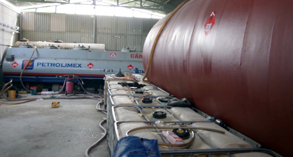 A corner of the fake fuel warehouse in Vung Tau City. Photo: Quang Anh/Tuoi Tre
