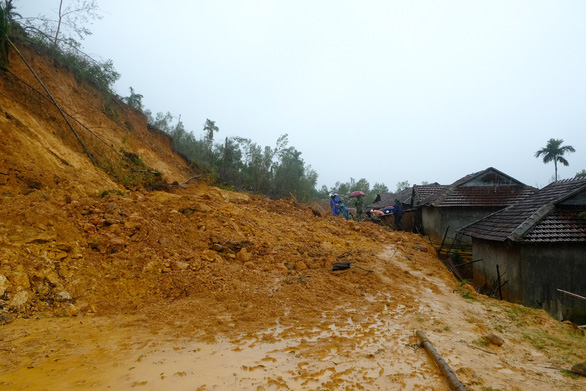 The slope created from the construction of a new road at Cua Village of Quang Ngai Province. Photo: Tran Mai / Tuoi Tre