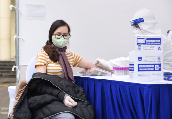 Hanoi, Ho Chi Minh City to further expand paid quarantine
