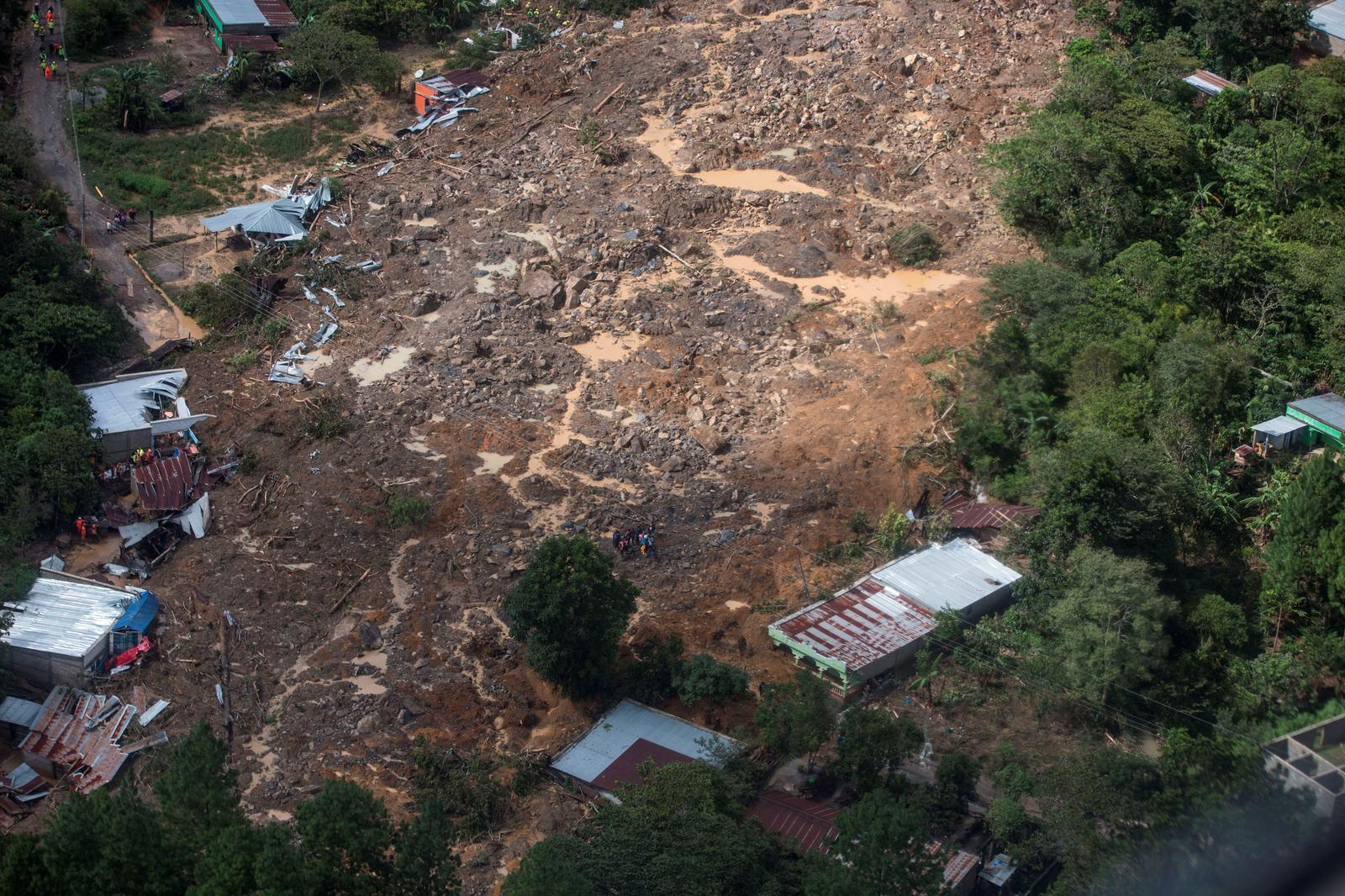A general view shows an area hit by a mudslide, caused by heavy rains brought by Storm Eta, as the search for victims continue in the buried village of Queja, Alta Verapaz, Guatemala November 7, 2020. Photo: Esteban Bilba/EFE/Pool via Reuters