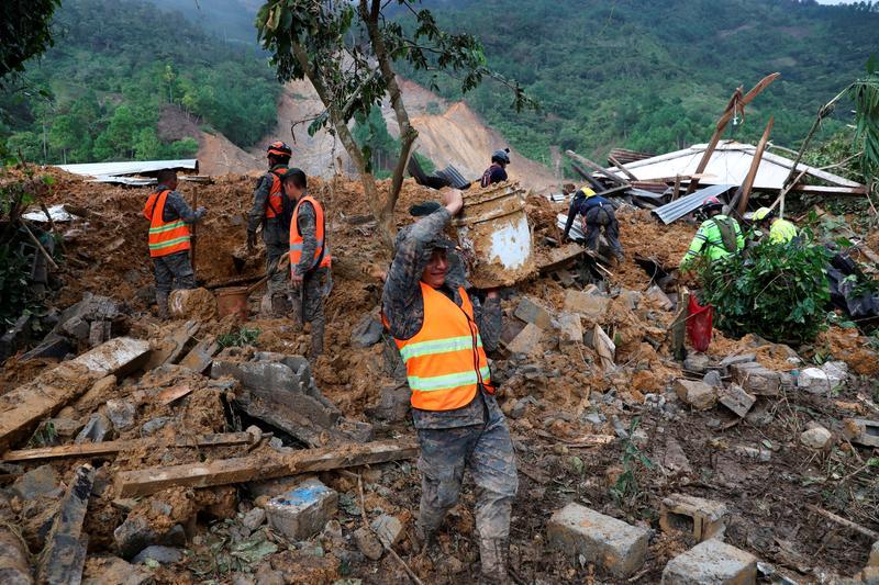 Woman loses 22 relatives after landslide hits storm-hit Guatemalan village