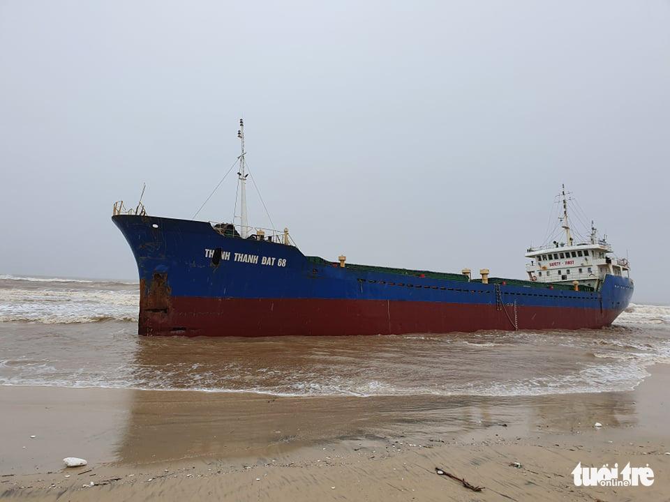 A cargo vessel is washed ashore in in Quang Tri Province, Vietnam, November 15, 2020. Photo: Tran Mai / Tuoi Tre