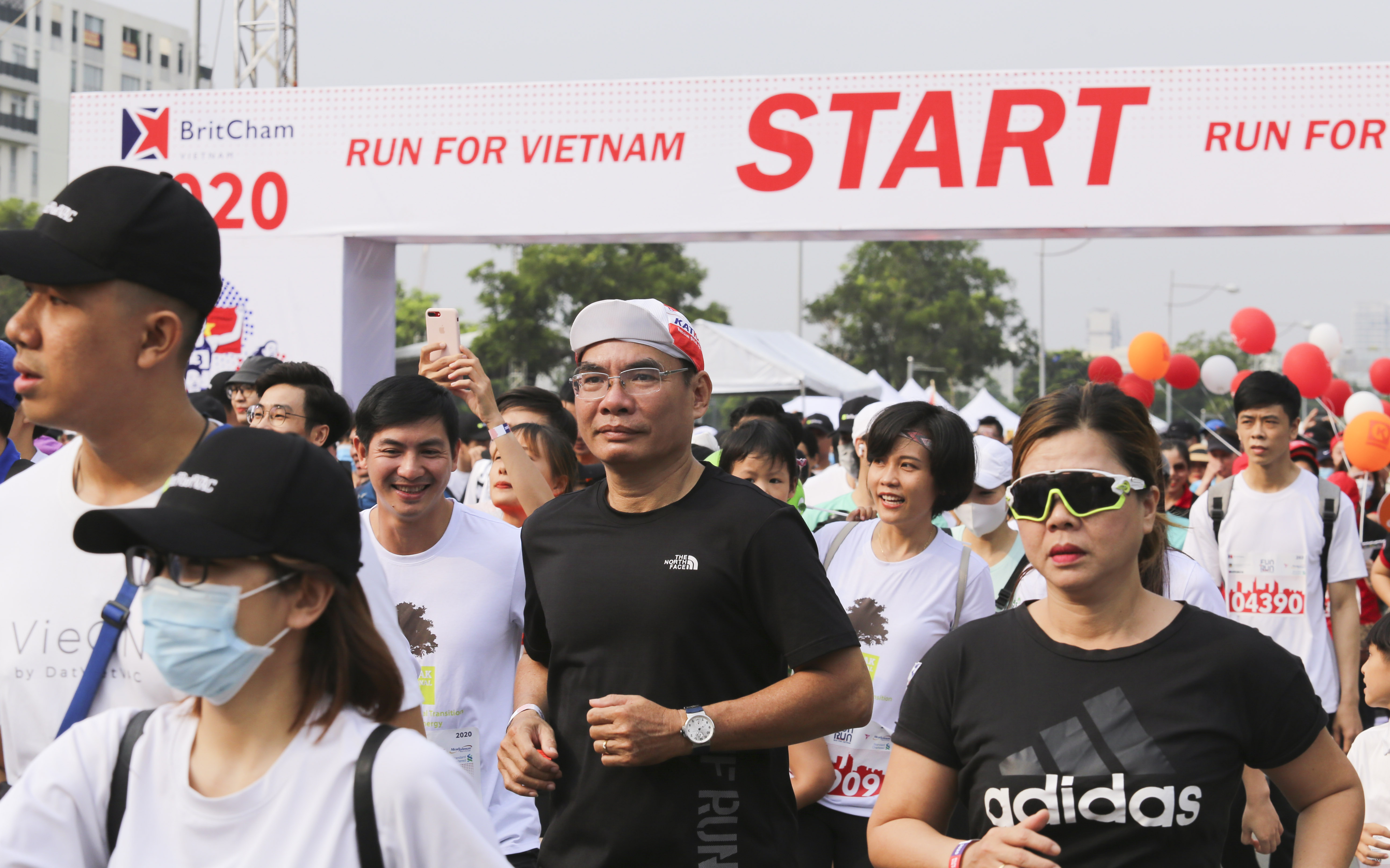 Thousands of people attend the 20th BritCham Charity Fun Run in Ho Chi Minh City on November 15,2020. Photo: Duc Khue/ Tuoi Tre