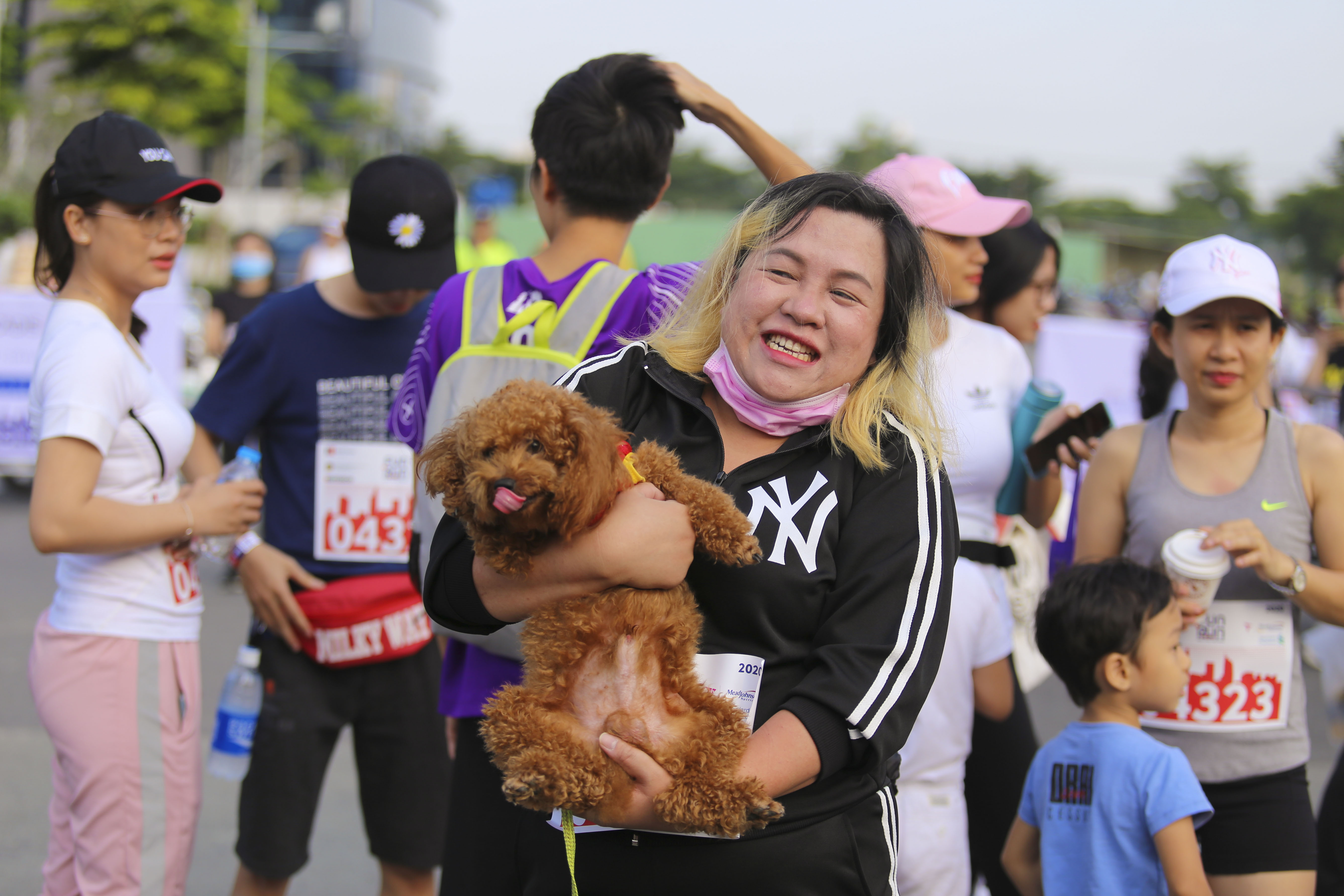 Pets were also welcomed at the 20th BritCham Charity Fun Run in Ho Chi Minh City on November 15,2020. Photo: Duc Khue/ Tuoi Tre
