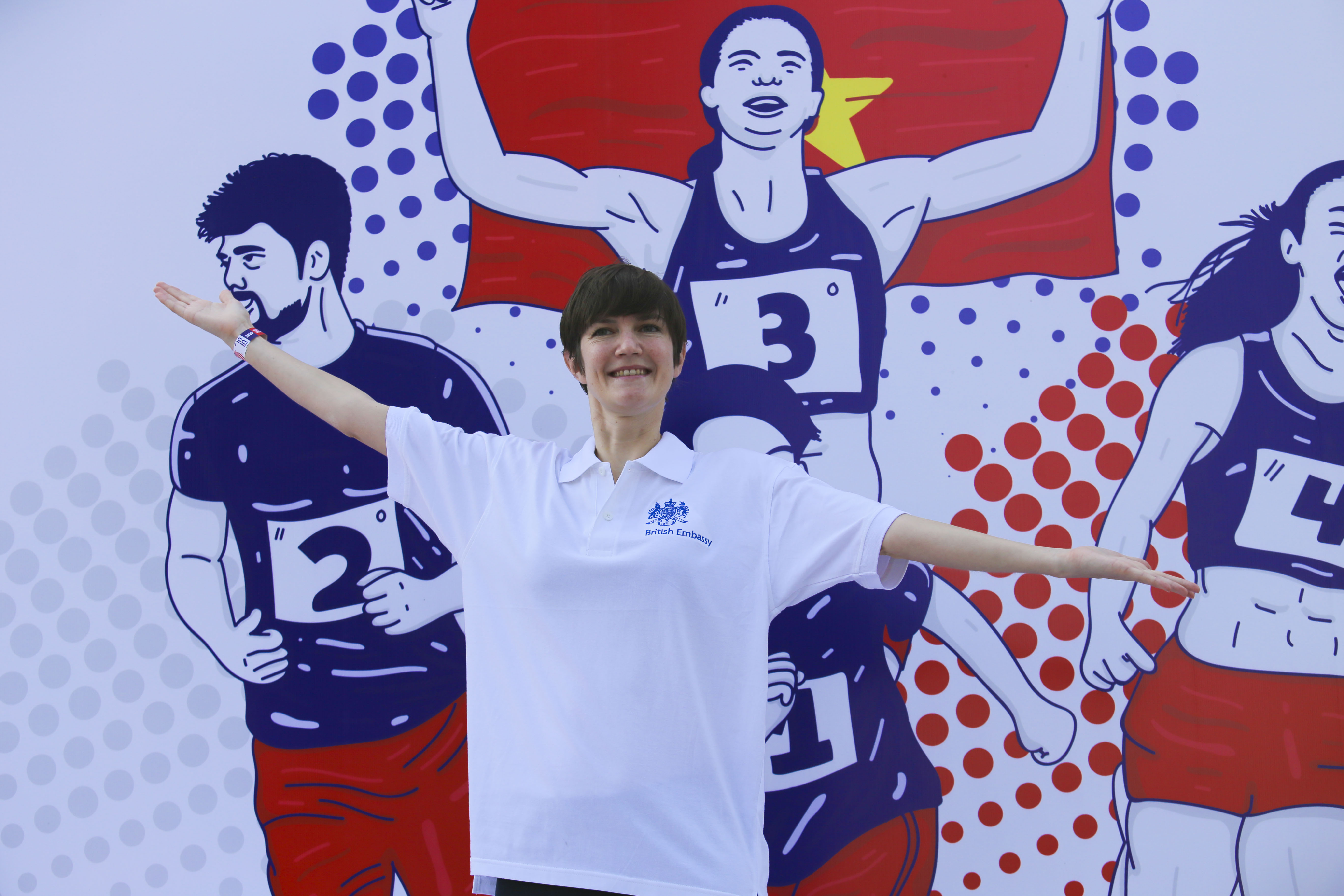 Emily Hamblin, UK Consul-General to Ho Chi Minh City poses for a photo while taking part in the 20th BritCham Charity Fun Run in Ho Chi Minh City on November 15,2020. Photo: Duc Khue/ Tuoi Tre