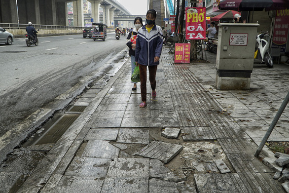 Hanoi sidewalks with projected 70-year lifespan crumble after 3 years in use