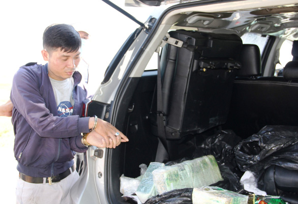 Vietnam police bust drug trafficking car disguised as national television vehicle