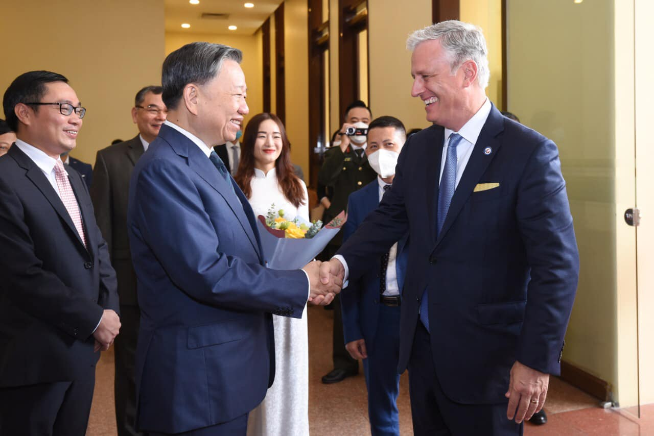 Vietnam public security minister discusses transnational crime fight with US national security adviser