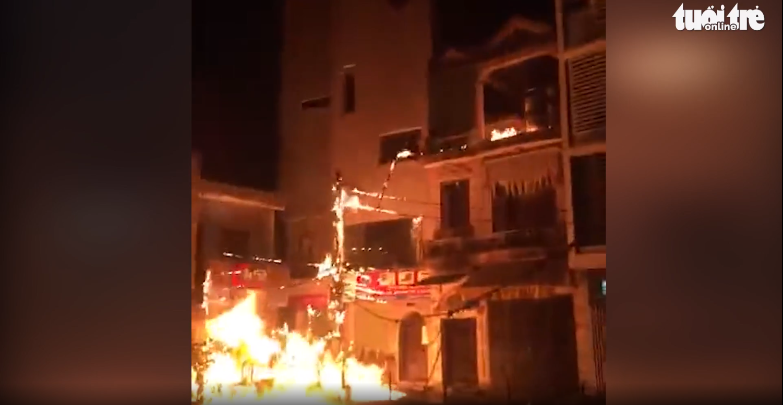 Hanoi man throws petrol bombs at neighbor's due to loud karaoke noise