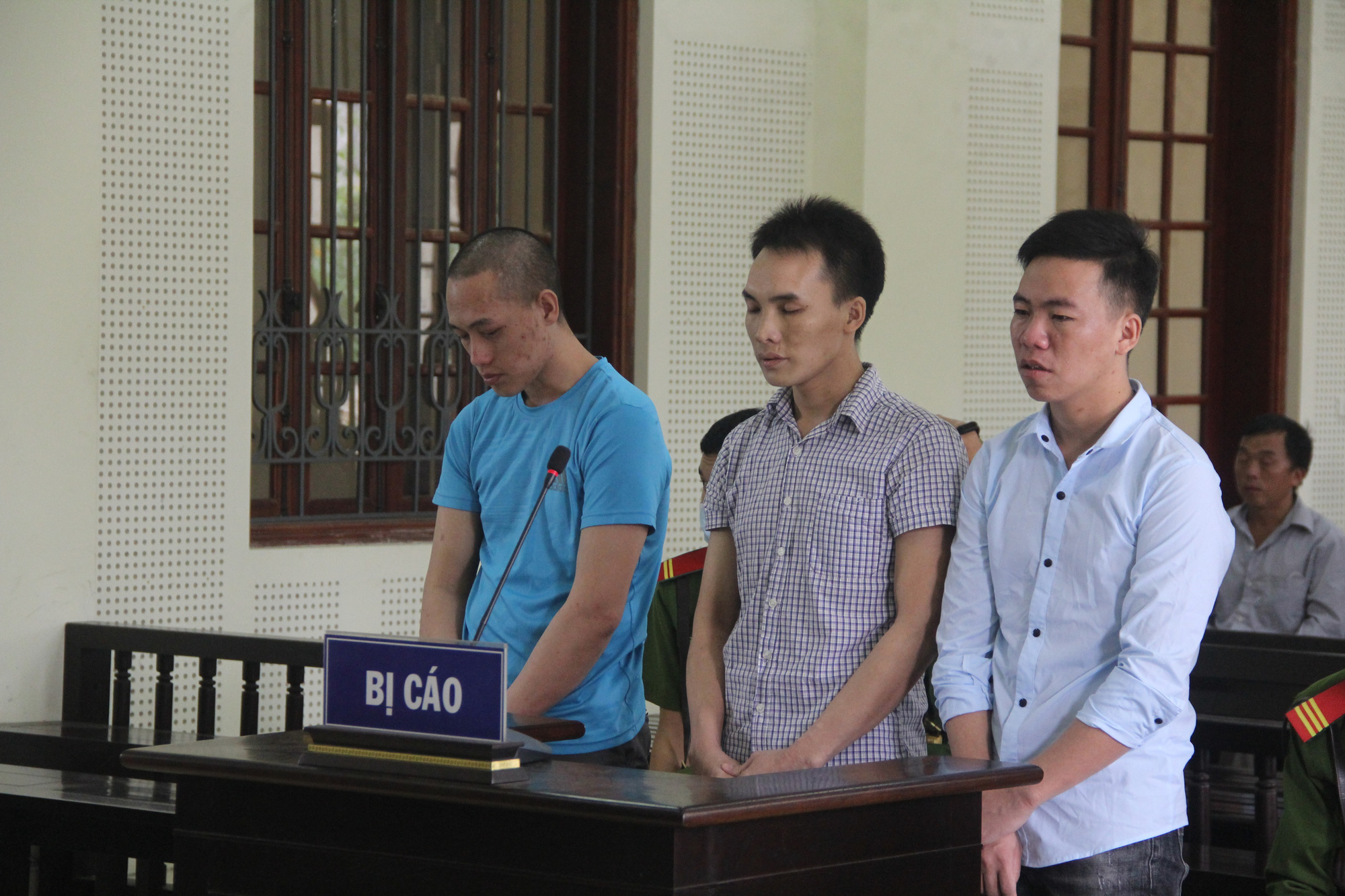 Five sentenced to death over drug-related crimes in Vietnam