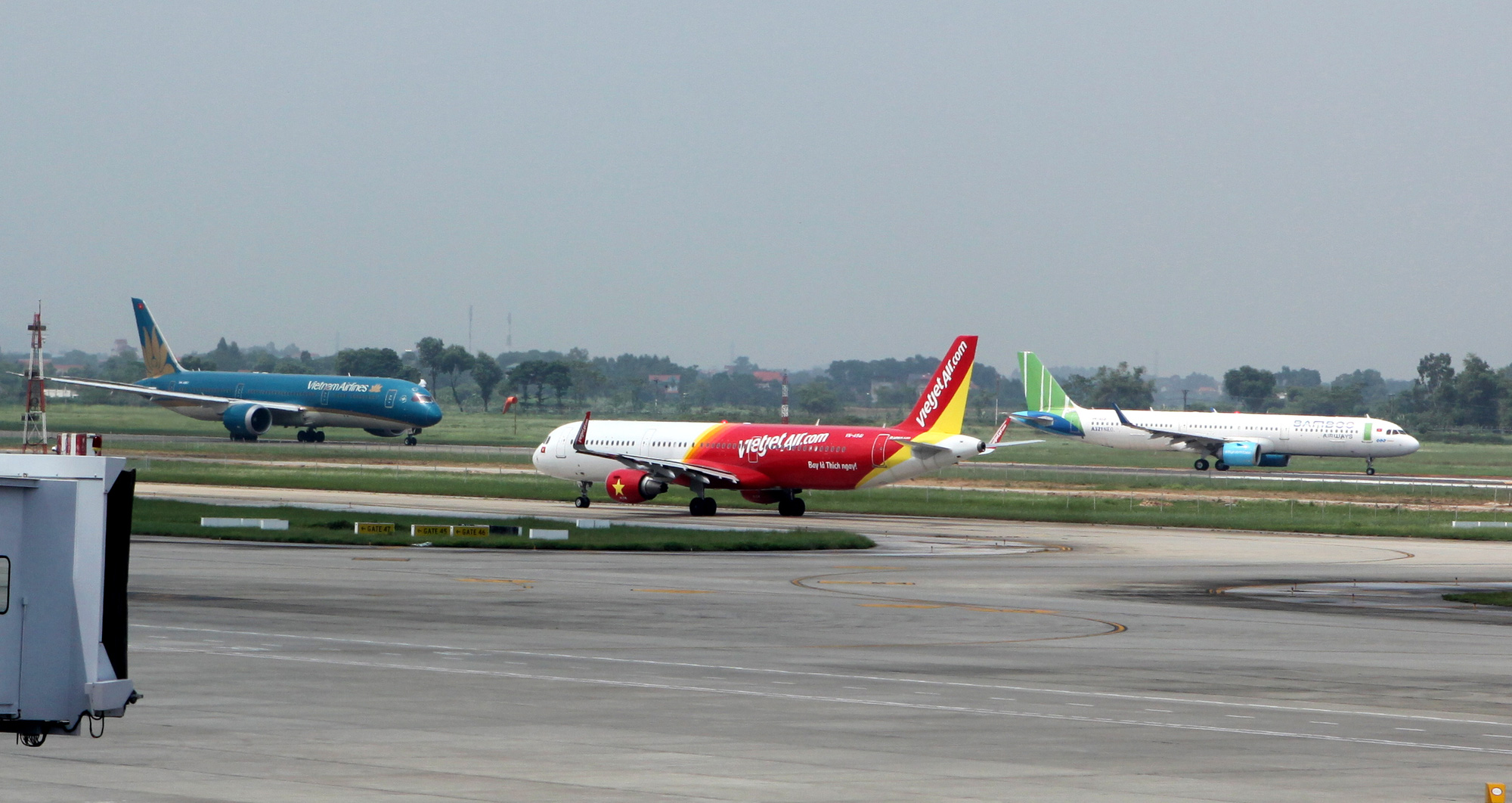 Vietnamese airlines urge government to provide further support to overcome pandemic