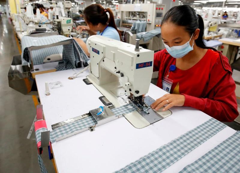 Vietnam Nov trade surplus plunges to $600 mln, industrial output rises 9.2%