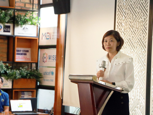 Nguyen Thi Kim Hue, deputy director of the Ho Chi Minh City Department of Science and Technology, speaks at the launch of the Coding Olympics Ho Chi Minh City 2020, November 25, 2020. Photo: Trong Nhan / Tuoi Tre