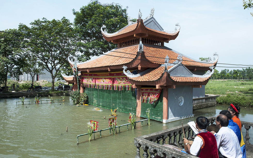 A water puppet stage built in 2019 in Hanoi's Dao Thuc Village. Photo: Hoang Ngoc Thanh / Tuoi Tre