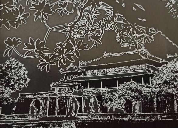 Ngo mon Hue (Meridian Gate in Hue). Photo processed under Sabattier effect (pseudo-polarization). Photo: Nguyen Ba Mau