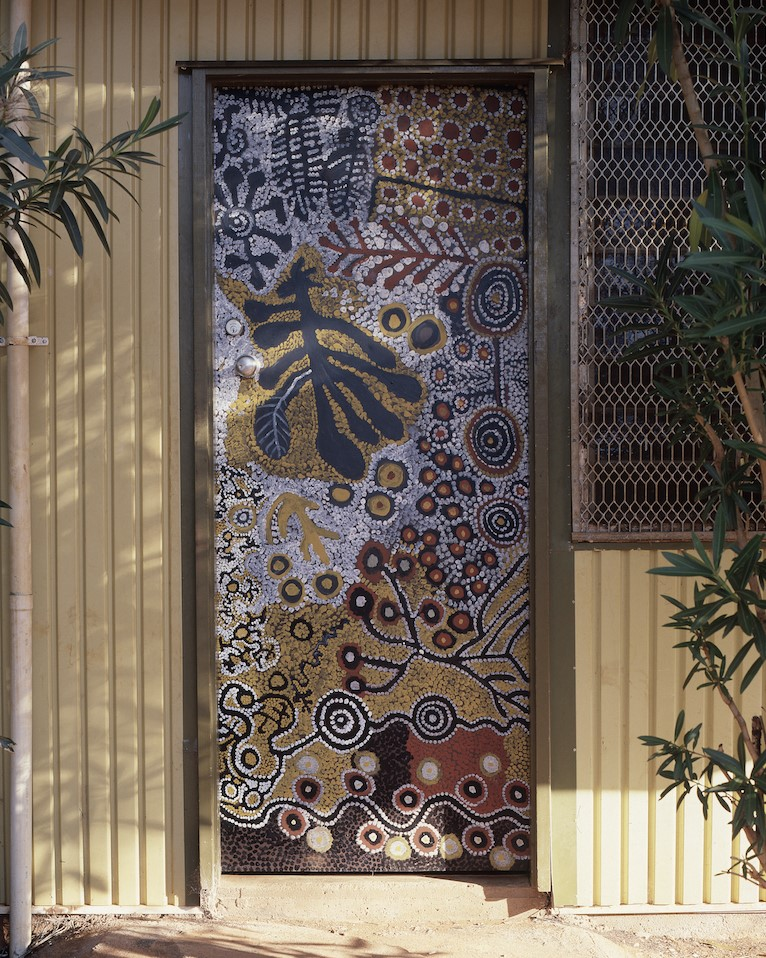 A door displayed at the Yuendumu Doors exhibition in hanoi on December 8, 2020. Photo provided by the Australian Embassy in Hanoi