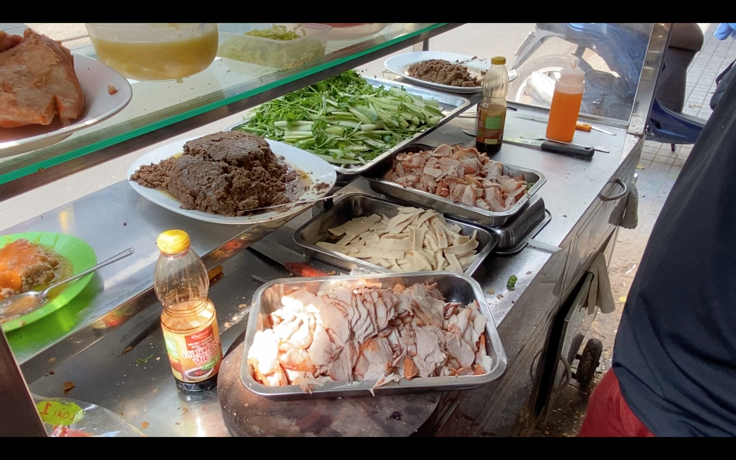 Homemade ingredients are a staple at Banh Mi Bay Ho. Photo: Linh To / Tuoi Tre