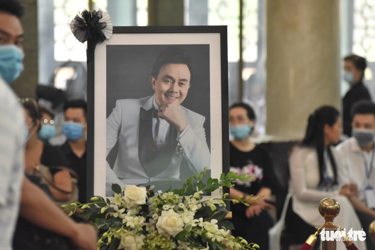 A portrait of the late comedian Chi Tai is seen at his funeral in Ho Chi Minh City, December 12, 2020. Photo: Duyen Phan / Tuoi Tre